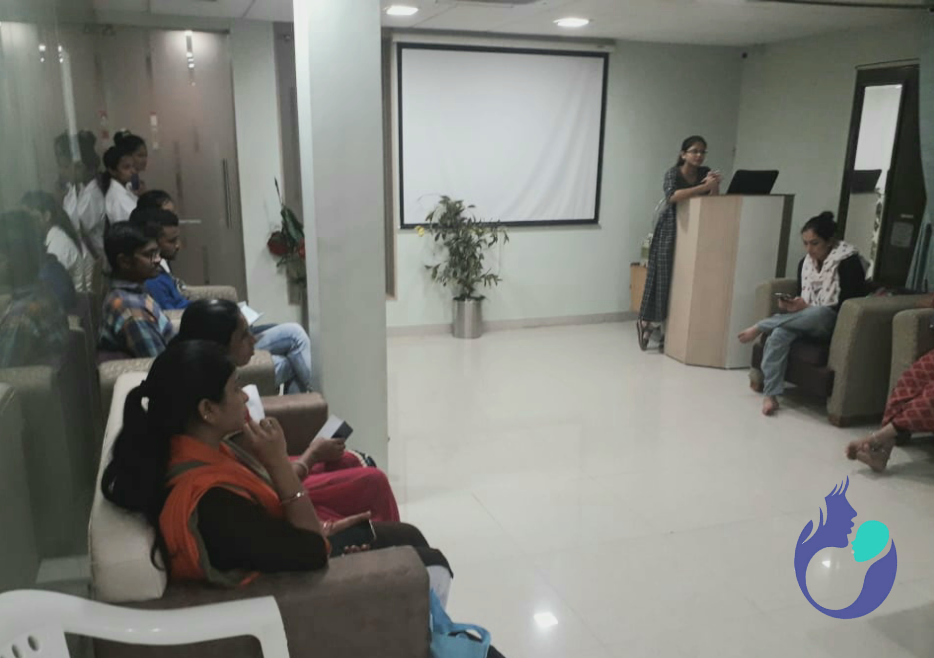 Counselling of Patients on PCOS in Gujarat, IndiaBest IVF Doctor in India
